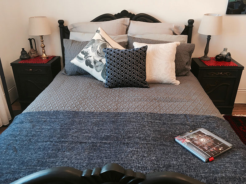 Blackman - Queen bed and sofa bed